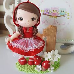 Diy Clay, Clay Crafts, Diy Shrink Plastic Jewelry, Cute Birthday Cakes, Fondant Cake Toppers, Red Riding Hood, Little Red, Cake Decorating, Projects To Try