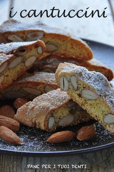 Cantuccini Biscotti Cookies, Almond Cookies, Yummy Cookies, Italian Cookie Recipes, Italian Cookies, Sweet Recipes, Cake Recipes, Italy Food, Italian Pastries