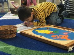 10 Benefits of a Montessori Preschool - The Children's Tree Montessori School What Is Montessori, Montessori Preschool, Philosophy Of Education, Curriculum, Beach Mat, Benefit, Outdoor Blanket, Learning, Children