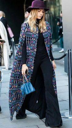 70s Fashion, Fashion Dresses, Womens Fashion, Cold Weather Fashion, Winter Fashion, Crochet Fashion, Unique Dresses, Crochet Clothes, India