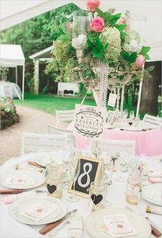 wunderschöne Hochzeitsdeko mit Blumen