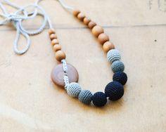 Breastfeeding & Babywearing necklace - Collar de lactáncia Modelo: Black Gradient Necklace, Apple Wood
