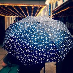 anchors and rain and theatre <3