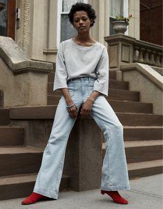 「じぶんを生きる。じぶんを表現する。  あなたの服を見れば、あなたの生き方がわかる。 あなたとあなたのデニムをGapで探してください。」 【Women】 スウェットシャツ/ID:242267 ※一部店舗取扱いなし #DoYou#1969Denim @rhyspickering, #Gap1969, #denim, #jeans, #Gap, #GapFall2016, #スウェットシャツ, #ラフ, #デニム, #フレア, #リラックス