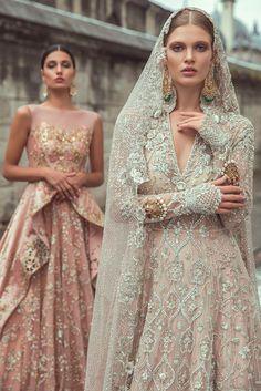 Samarkand Bridal Wear Collection 2018 by Sania Maskatiya – Niftilicious Pakistani Fashion 🌸😇 Pakistani Wedding Dresses, Indian Wedding Outfits, Princess Wedding Dresses, Bridal Outfits, Dream Wedding Dresses, Indian Dresses, Indian Outfits, Bridal Gowns, Cinderella Wedding