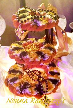 3 tier floating stand  Black and Gold King Cake