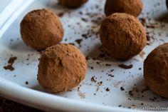 Cocoa-Caramel Bourbon Truffles via RavieNomNoms