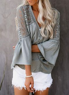 Features: floral leaf print, sexy v-neckline, kimono sleeves for the ultimate flowy and a faux button down look. The casual, floral print loose tops are perfect for all occasions. Casual Wear Women, Summer Blouses, Stylish Tops, Crochet Blouse, Loose Tops, Casual Shirts, Fitness, Bell Sleeves, Long Sleeve Shirts