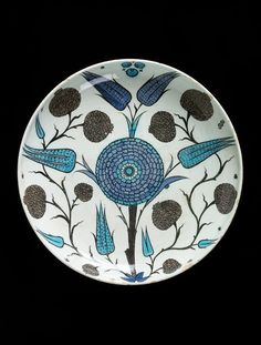 Dish Place of origin: Iznik, Turkey (probably, made) Turkey Date: ca. (made) Artist/Maker: Unknown (production) Materials and Techniques: Fritware, polychrome underglaze painted, glazed Glazes For Pottery, Ceramic Pottery, Pottery Art, Turkish Art, Turkish Tiles, Motif Floral, Hand Painted Ceramics, Tile Art, Ceramic Plates