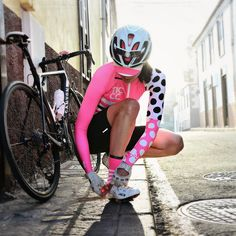 What's coming next from is on point. Really dig this! 17 collection coming soon! Womens Cycling Kit, Cycling Girls, Cycling Wear, Cycling Outfit, Women's Cycling, Cycling Jerseys, Cycling Clothing, Cycle Chic, Female Cyclist