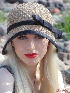 Summer Hats, Winter Hats, Love Hat, Hat Hairstyles, Cute Hats, Girl With Hat, Hats For Women, Crochet Hats, Crochet Headbands