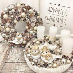 Christmas Door, Christmas Is Coming, Winter Christmas, Merry Christmas, Xmas Wreaths, Easter Wreaths, Advent Wreaths, Christmas Centerpieces, Christmas Decorations