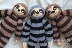 Get free Sloth amigurumi pattern, Sill, crochet from a medium weight acrylic yarn & fuzzy yarn. Pattern & tutorial come with video to show you the process. Sock Crafts, Sewing Crafts, Sewing Projects, Free Sewing, Knitting Patterns Free, Crochet Patterns, Sew Pattern, Chicken Pattern, Sock Toys