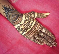 Mehendi – The word itself says all in regards to traditional practice of making Henna tattoos on hands or legs, … Khafif Mehndi Design, Indian Mehndi Designs, Mehndi Design Pictures, Modern Mehndi Designs, Mehndi Designs For Girls, Wedding Mehndi Designs, Mehndi Designs For Fingers, Beautiful Henna Designs, Latest Mehndi Designs