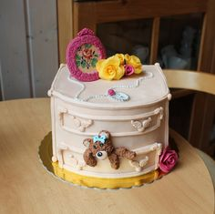 Adorable, chest drawers/dresser cake