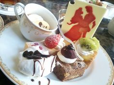 TOKYO Disneyland HOTEL  /cakes/