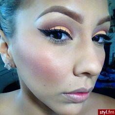 Bright Coral Eye makeup