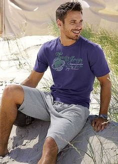 Grey Connection Purple Vintage Print T-Shirt Fashion Face, Love Fashion, Mens Fashion, Fashion Ideas, Andrew Stetson, Well Dressed Men, Actor Model, Hot Boys, Sexy Men