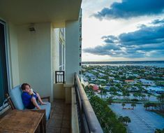 The Marriott Singer Island offers a relaxing vacation at an all-suite Palm Beach resort great for families near the Loggerhead Marineline Center. Palm Beach Resort, Palm Beach Florida, West Palm Beach, Vacation Places, Marine Life, Beach Resorts, Families, Bucket, Singer