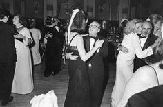 Baile en  Blanco y Negro, Hotel Plaza, 1966: Truman Capote, Lauren Bacall, Cecil Beaton.