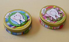 Latinhas porta-moedas para a troca dos dentinhos. Aqui no blog tem mais modelos: http://taysrocha.blogspot.com.br/2013/03/latinhas-porta-dentes-em-scrap-decor.html #artesanato #crafts #scrapbooking #scrapdecor #ateliermundocountry #taysrocha