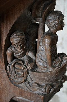 Coln St Dennis lectern carving -91