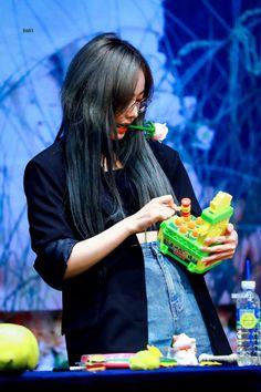 South Korean Girls, Korean Girl Groups, Sinb Gfriend, Learn Faster, G Friend, Kpop, Memes, Daughter, Meme