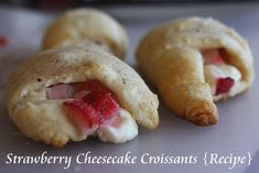 Easy recipe for strawberry cheesecake croissants!