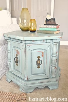 DIY furniture re-do with Annie Sloan Chalk paint- Duck Egg Blue.