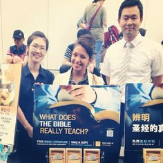 South Korea - Public witnessing in many languages about God's Kingdom soon to come on earth! -  JW.org  --Photo shared by @Karen Serrano Salazar