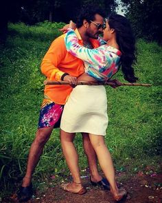 Romantic Couple Images, Couples Images, Romantic Couples, Couple Photos, Bhojpuri Actress, Background Images For Editing, Rose Wallpaper, Hottest Pic, Leather Skirt