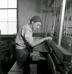 Anni Albers in her weaving studio at Black Mountain College, 1937. Photo: Helen M. Post [source]