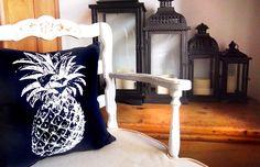 BANDERA Almohadones originales confeccionados con textiles exclusivos. http://charliechoices.com/bandera/