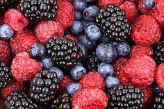 Berries, Fruits, Food, Blackberries Best Fruits, Healthy Fruits, Healthy Food, Healthy Brain, Healthy Aging, Brain Health, Healthy Meals, Fruit Recipes, Plant Based Recipes