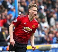 Manchester United manager Ole Gunnar Solskjaer is ready to build his team around young midfielder Scott McTominay as he looks ahead to next season. Manchester United Players, League Gaming, Man United, Football Players, Premier League, Polo Ralph Lauren, The Unit, Sport, Mens Tops