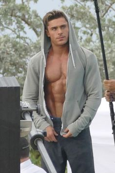 The Best Zac Efron Shirtless Pics from the 'Baywatch' Set