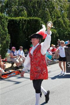 Town crier announcing the parade.