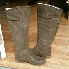Madden girl boots Good condition, still have box, Madden Girl Shoes Winter & Rain Boots