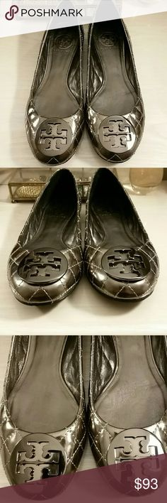 Tory Burch Flats in size 7.5 -----------PRICE FIRM-------- Preowned Tory Burch quilted flats. Minamal wear as seen in pictures. Very nice condition.  Size 7.5  Dark pewter/silver mirrored leather.  Look great with a Channel or other quilted purse/jacket.  No box/dustbag.  *No trades / holds, but thank you* ---------PRICE FIRM------- Tory Burch Shoes Flats & Loafers