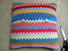 thistlebear: A crocheted pillow cover Crochet Cushion Cover, Crochet Cushions, Crochet Pillow, Baby Blanket Crochet, Crochet Granny, Crochet Cowl Free Pattern, Crochet Edging Patterns, Crochet Ideas, Free Crochet