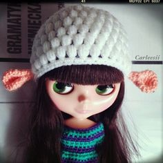 Carleesi - crocheted sheep-like hat for Blythe doll