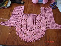 crochet summer shirt - crafts ideas - crafts for kids Crochet Yoke, Crochet Collar, Crochet Shirt, Crochet Baby, Crochet Summer, Black Crochet Dress, Diy Couture, Crochet Stitches Patterns, Crochet Woman