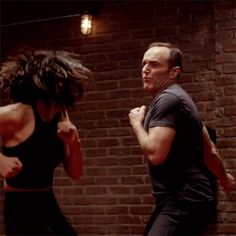 Self Defense Moves, Self Defense Martial Arts, Self Defense Techniques, Story Inspiration, Character Inspiration, Karate, Fighting Gif, Chloe Bennett, Boxing Girl