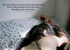 "Kelly Clarkson ""Breaking Your Own Heart"""