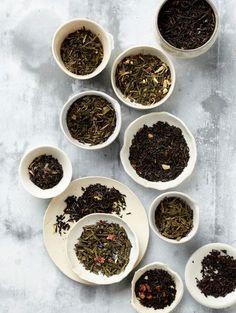 a selction of loose leaf flavored tea blends Chai, Chinese Herbs, Types Of Tea, Tea Art, Tea Blends, Tea Infuser, Loose Leaf Tea, Tea Recipes, Iced Tea