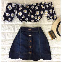 """3,488 curtidas, 63 comentários - ⠀⠀⠀⠀⠀⠀⠀↠ Espaço Valentina ↞ (@espvalentina) no Instagram: """"Que combinação maravilhosa é essa Brasil? ❤️ Saia new jeans & cropped margaridas Até às 19h,…"""""""