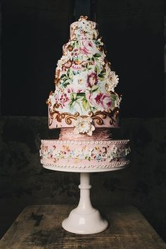 Baroque-inspired cake hand-painted by Nevie-Pie Cakes | Styling by Mr. & Mrs. Unique | Photo by Brighton Photo