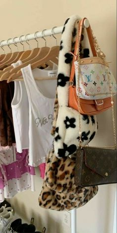 Aesthetic Bags, Aesthetic Room Decor, Indie Room Decor, Accesorios Casual, Room Ideas Bedroom, Mode Streetwear, Indie Kids, Cute Bags, Fashion Bags