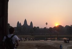 Camboja - Roteiro de 7 Dias e Informações Gerais Celestial, Sunset, Outdoor, Rainy Season, Cambodia, Water Bottles, Sunrise, Screenwriting, Outdoors