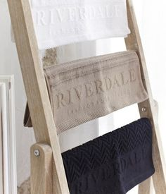 Riverdale badkamer | Riverdale | Pinterest | Bathroom laundry ...